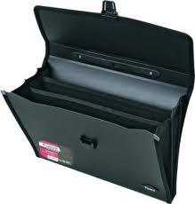 Портфель A4 чорний 3 відділення Axent